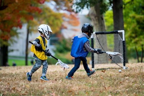 kids playing lacarosse
